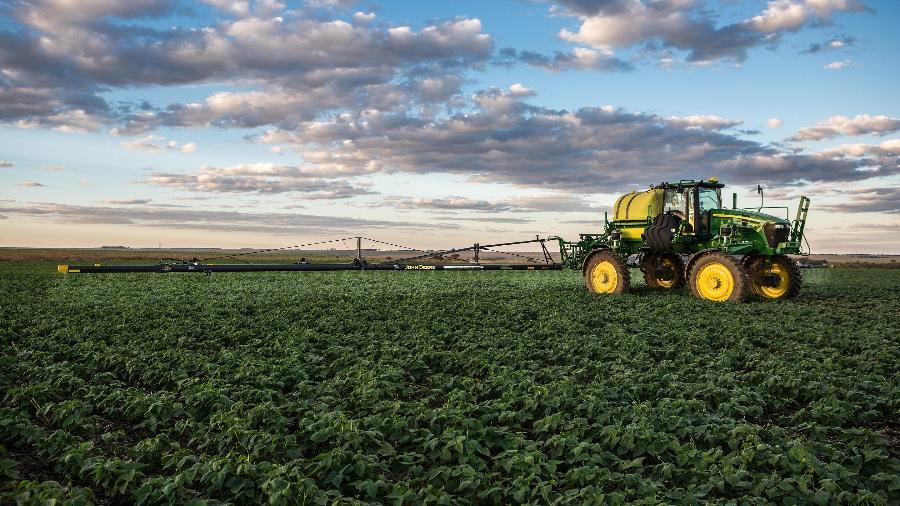 Governo Jair Bolsonaro (sem partido) suspende compra de máquinas agrícolas após CGU apontar sobrepreço - John Deere