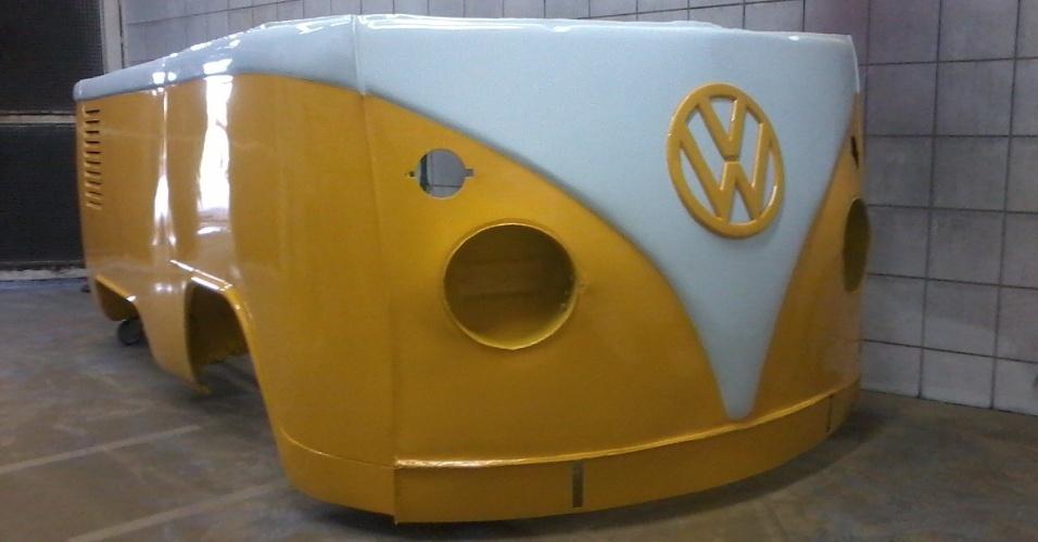 A empresa Retro Garage transforma Kombis em balcões. O empreendimento é comandado por Sandro Ricardo Pereira, de Mogi das Cruzes