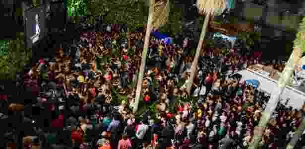 No teatro da PUC-SP milhares de pessoas acompanham ato em defesa da democracia - Marcos Bizzotto/ Raw Image/ Estadão Conteúdo - Marcos Bizzotto/ Raw Image/ Estadão Conteúdo