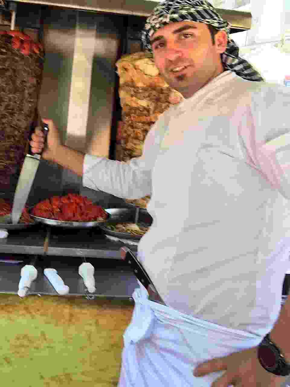 Refugiado sírio Eyad Abuharb abre restaurante New Shawarma em São Paulo - Divulgação