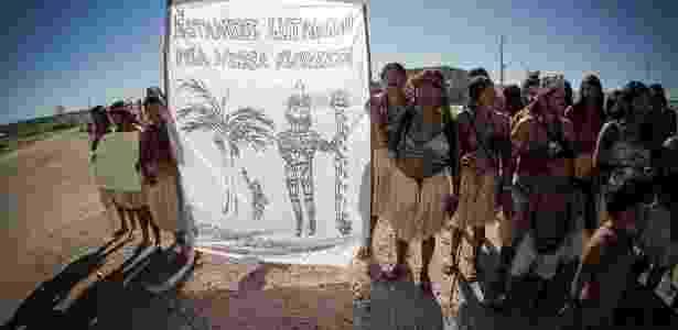 Protesto de índios mundurukus no canteiro de obras da usina hidrelétrica São Manoel, no rio Teles Pires, na fronteira entre Pará e Mato Grosso - Juliana Rosa Pesqueira/Fórum Teles Pires