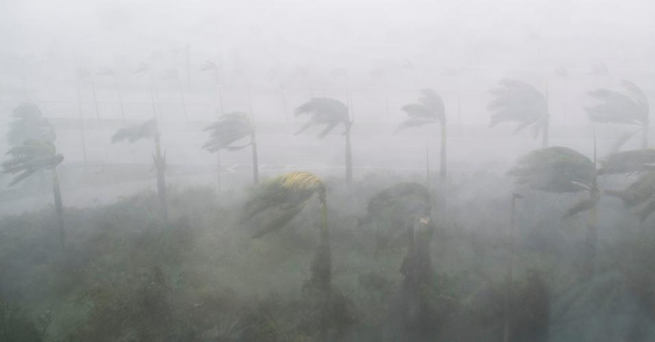 11.set.2017 - Furacão Irmã provoca rajadas de ventos de mais de 250 km/h e muita chuva por sua passagem em Miami, Flórida (EUA)