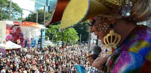 Parada do orgulho LGBT lota a avenida Paulista, em São Paulo