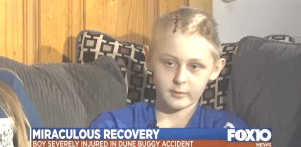 Trenton McKinley, 13, sofreu um grave acidente quando estava brincando