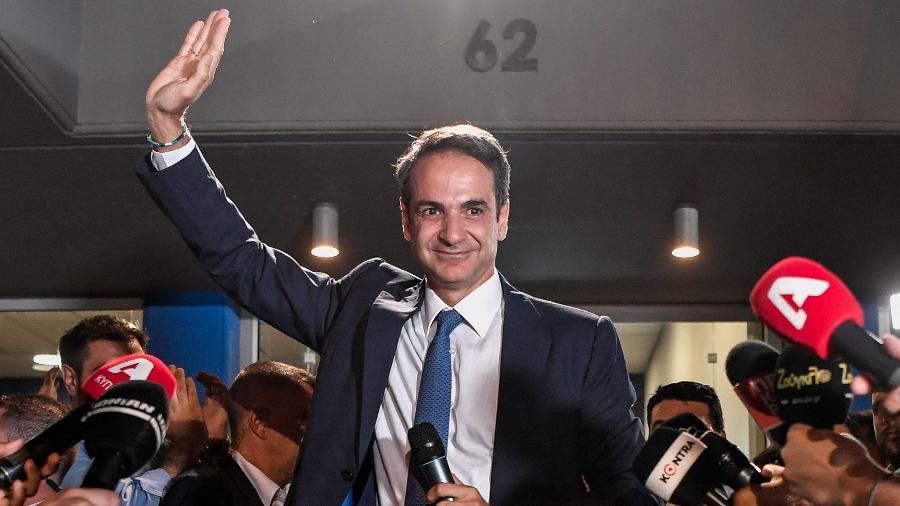 "Primeiro-ministro grego, Kyriakos Mitsotakis (foto), recebeu o pedido de renúncia do porta-voz por ""motivos familiares"" - Louisa Gouliamaki/AFP"