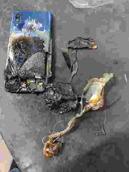 Redmi Note 7S ficou destruído após pegar fogo - Reprodução/Chavhan Ishmar