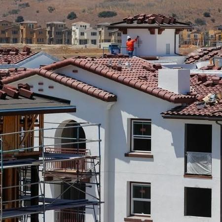 Construção de casas em Oceanside, Califórnia (EUA) - MIKE BLAKE