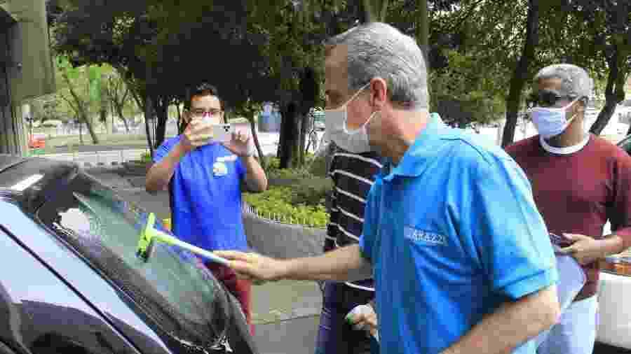 17 out. 2020 - Andrea Matarazzo (PSD) participa de evento de adesivação de carros de apoiadores no centro de São Paulo - WILLIAN MOREIRA/FUTURA PRESS/ESTADÃO CONTEÚDO