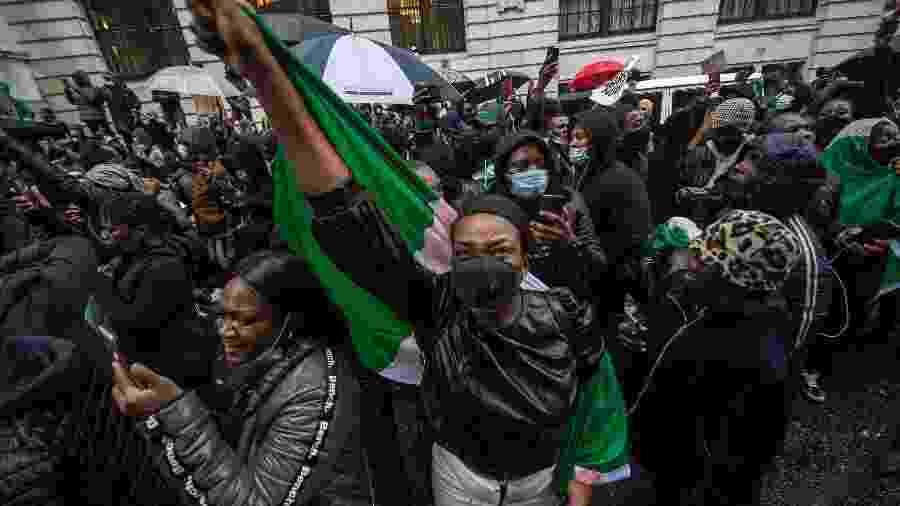 Protestos de Nigerianos na Inglaterra contra o governo da Nigéria - Guy Smallman/Getty Images