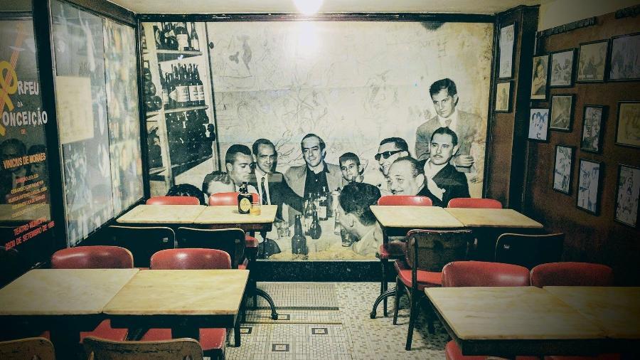 Mesas do bar Casa Villarino, onde Tom Jobim e Vinícius se conheceram, no centro do Rio - Reprodução