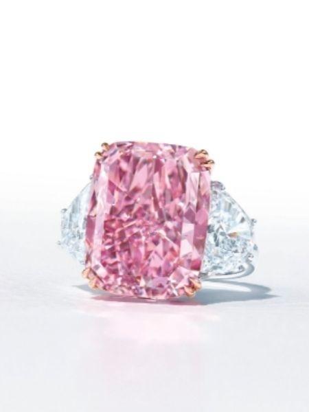 """Diamante Sakura pode bater recorde se for vendido em site chinês - Reprodução/Christie""""s"""