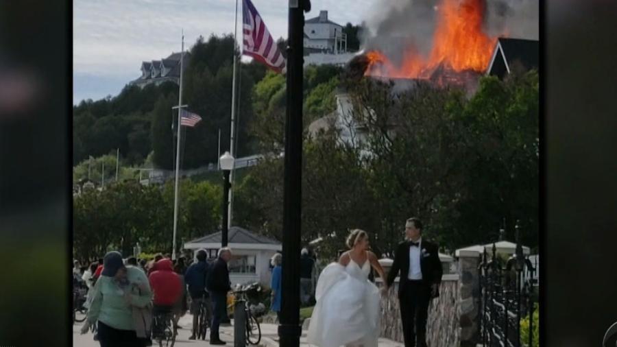 O casamento de Elizabeth e Jake Landuyt foi interrompido por um incêndio no local do evento - Reprodução/CBS Evening News