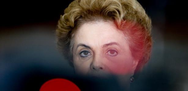 A presidente Dilma Rousseff fala sobre a nomeação do ex-presidente Luiz Inácio Lula da Silva como ministro da Casa Civil