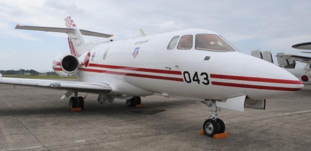 Aeronave U-125 da Força de Autodefesa do Japão semelhante à que desapareceu, em base aérea em Ibaraki
