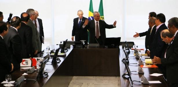 O presidente interino Michel Temer durante reunião com representantes das centrais sindicais