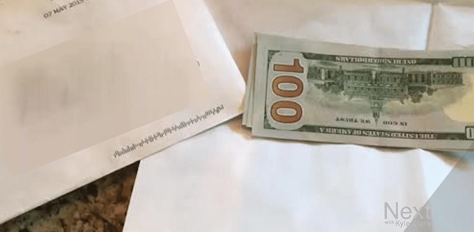 Ladrão arrependido deixa carta de desculpas e grana após tentar invadir casa