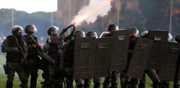 Polícia do DF atua em manifestação em novembro de 2016