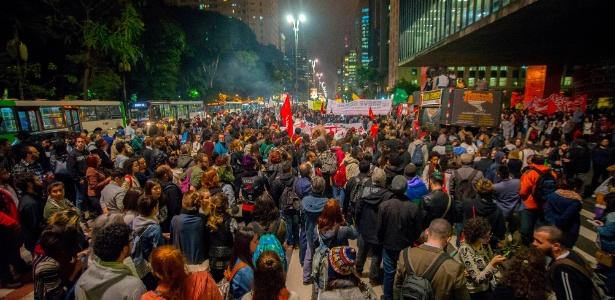 Em São Paulo, manifestantes fecharam a avenida Paulista em protesto contra Temer; para analista, chance de eleição direta é remota