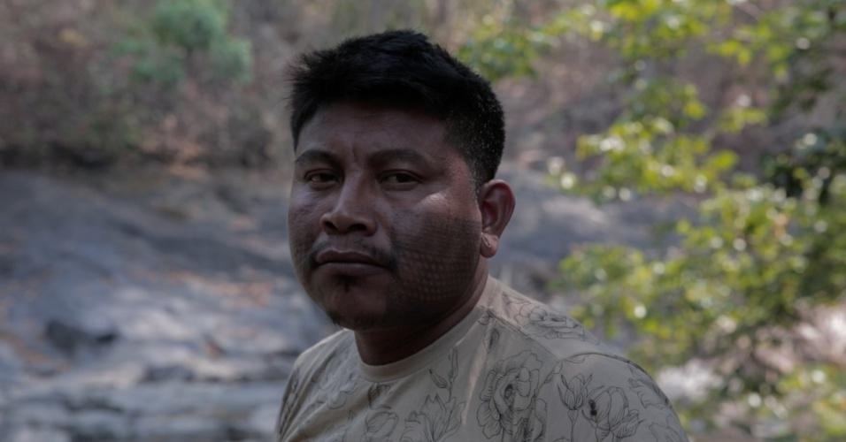 1º.dez.2017 - A proximidade da mineradora Onça Puma com a Terra Indígena dos xikrins trouxe diversas consequências para a aldeia. Segundo Bep-Krá Xikrin, a contaminação do rio levou à diminuição da caça por conta do trânsito de caminhões que transportam minério