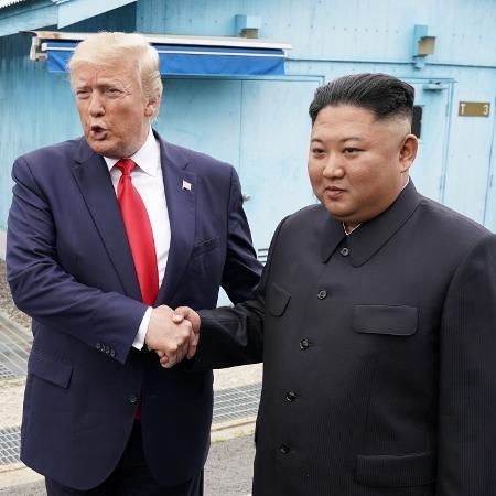 Arquivo - Trump ofereceu ao líder norte-coreano uma carona para casa no avião presidencial após a reunião de cúpula de Hanói há dois anos - Kevin Lamarque/Reuters