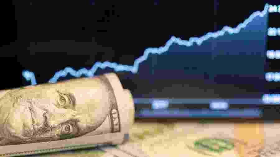 Dólar fechou com maior alta diária desde março - Getty Images