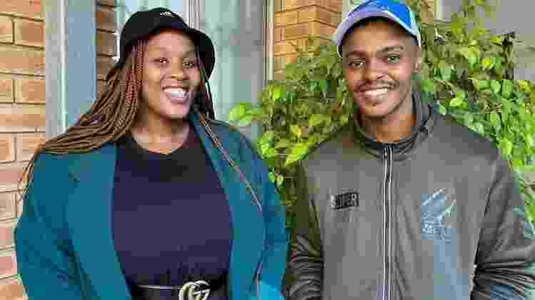 Pheliswa (esquerda) mobilizou amigos e familiares para trazer Dyonta de volta à África do Sul - SNAZO GULWA - SNAZO GULWA