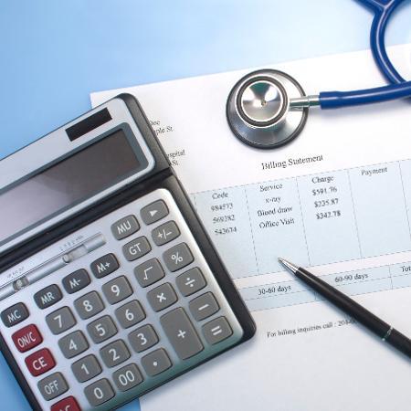 Procon-SP pediu explicações sobre a aplicação de reajuste das mensalidades - iStock