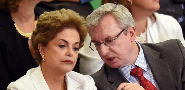 Dilma Rousseff conversa com Celso Pansera