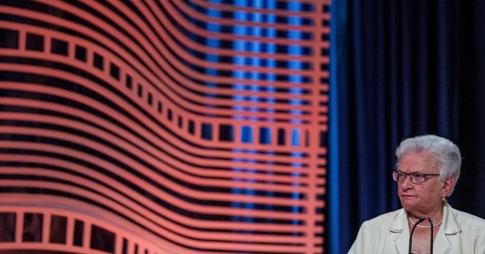 """23.set.2016 - Ao comentar o imposto pago pelo candidato João Doria (PSDB) em sua mansão, Erundina (PSOL) aproveitou para defender imposto progressivo para imóveis acima de R$ 5 milhões: """"Isso faria com que a Prefeitura arrecadasse mais recursos, e com isso, poderia fazer"""