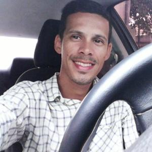 O motorista de Uber Jussan Lima, 27, foi morto a tiros dentro do seu carro na zona norte do Rio, na madrugada desta quinta (2)