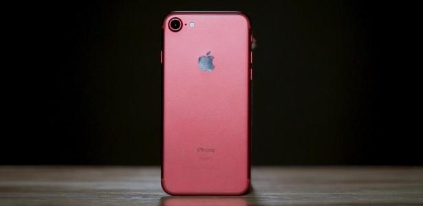 4315d879fd7 Nova edição elegante e potente  iPhone 7 segue um dos melhores após 1 ano -  23 08 2017 - UOL Tecnologia