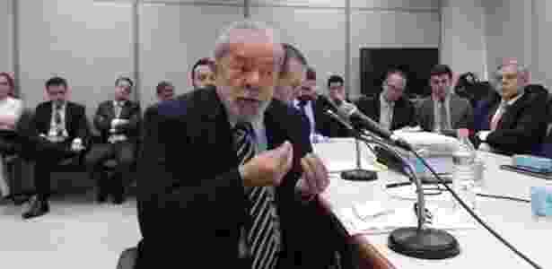 13.set.2017 - O ex-presidente Lula durante depoimento ao juiz Sergio Moro em Curitiba - Divulgação