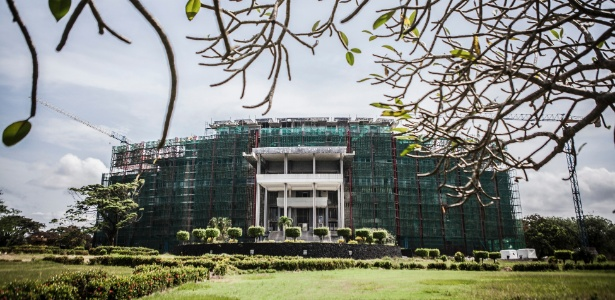 Vista do fundo do palácio presidencial, supostamente mal-assombrado, em Monróvia, na Libéria