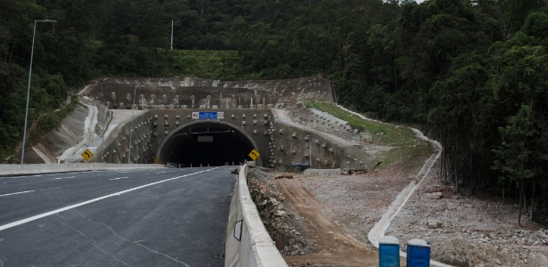A duplicação da Régis Bittencourt, na região da Serra do Cafezal, é prometida para até a próxima semana