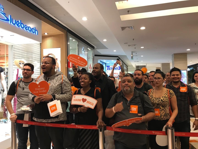 cc47e2ba5 Espera de 45h na fila e descontos: Xiaomi abre a sua 1ª loja no Brasil -  01/06/2019 - UOL Tecnologia