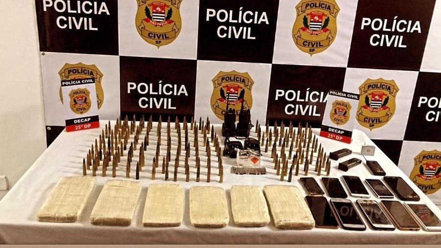 Material apreendido com mulher suspeita de envolvimento em assalto a banco em Santa Catarina - Divulgação/Polícia Civil