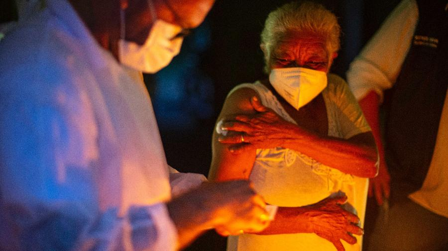 Raimunda Nonata foi a primeira quilombola vacinada contra a covid-19 no Brasil - Prefeitura de Cachoeira do Piriá/Divulgação