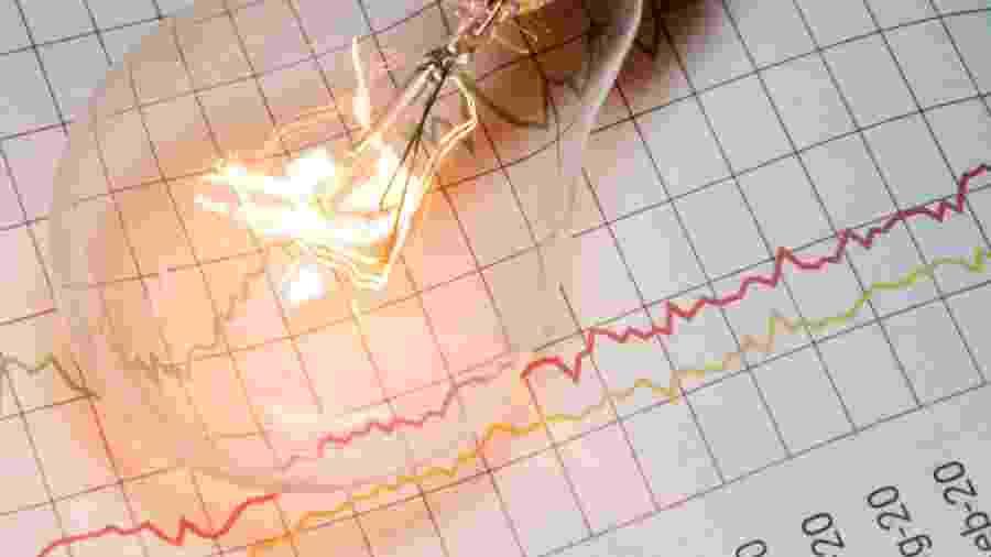 conta de luz, energia elétrica, consumo, porquinho, dinheiro - iStock/Devonyu