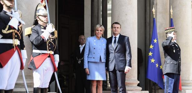 14.mai.2017 - Emmanuel Macron, novo presidente da França, durante cerimônia de posse com sua esposa Brigitte Trogneux