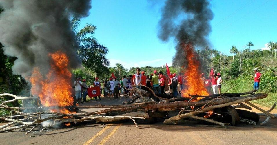 Integrantes do MST intensificam ações na Bahia em apoio ao ex-presidente Lula