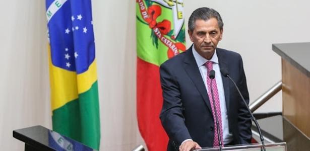 Licitações suspeitas | PF prende presidente da Assembleia Legislativa de SC, Júlio Garcia