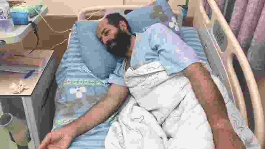 06.nov.2020 - O palestino Maher Al-Akhras, 49, que completou 100 dias de greve de fome em protesto contra sua prisão - Taghreed Al-Akhras/Reuters
