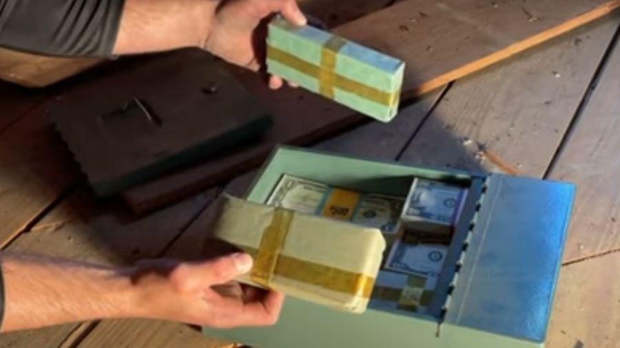 Dinheiro estava em caixa de metal desde a década de 1950 - Reprodução/Youtube