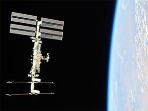 Hoje tem passagem da Estação Espacial sobre o Brasil. Vamos observar? (Foto: NASA/Roscosmos)