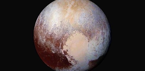 Coração de Plutão, no canto inferior direito, fez o ex-planeta ser mais amado