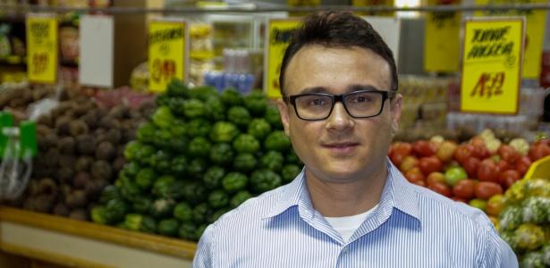 Ivo Moura troca vale-compras do seu supermercado por produtos de outras empresas