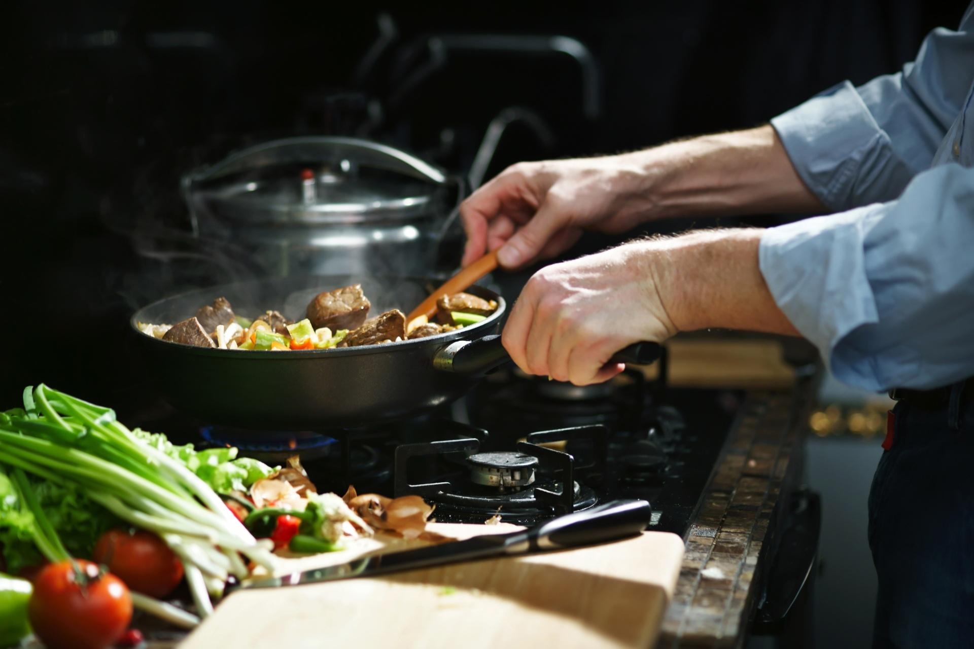 cozinha, cozinhando, chef, comida, refeição, almoço, jantar