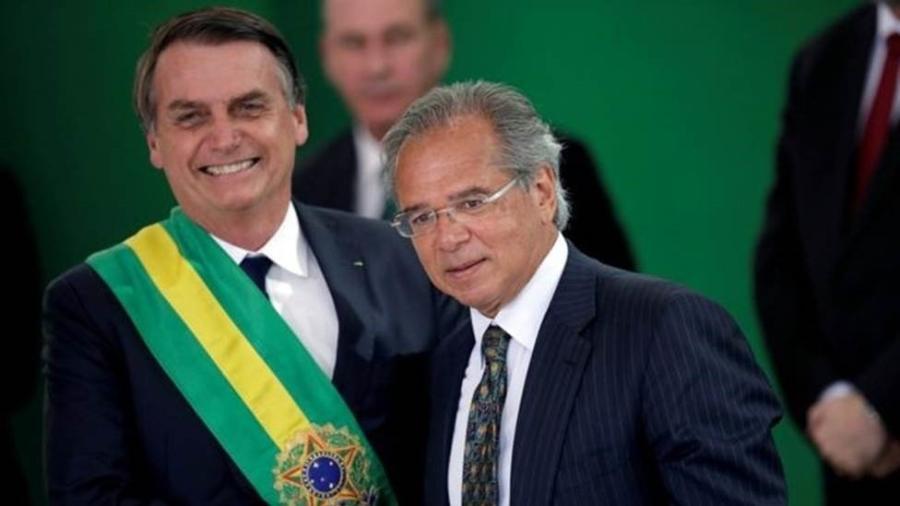 Bolsonaro e o ministro da Economia, Paulo Guedes - REUTERS/UESLEI MARCELINO/FILE PHOTO