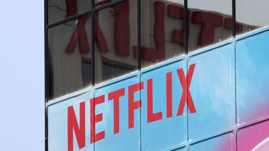 Logo da Netflix no escritório da empresa em Los Angeles -