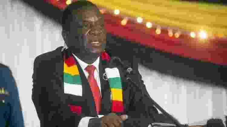 O presidente do Zimbabwe, Emmerson Mnangagwa, teve que esclarecer declarações de seu ministro da Defesa - EPA via BBC